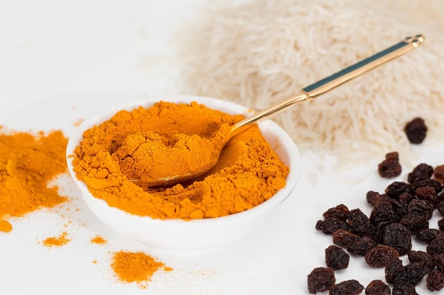 Include Some Turmeric To Your Diet | Lower Your Cholesterol Levels With These Medicinal Herbs