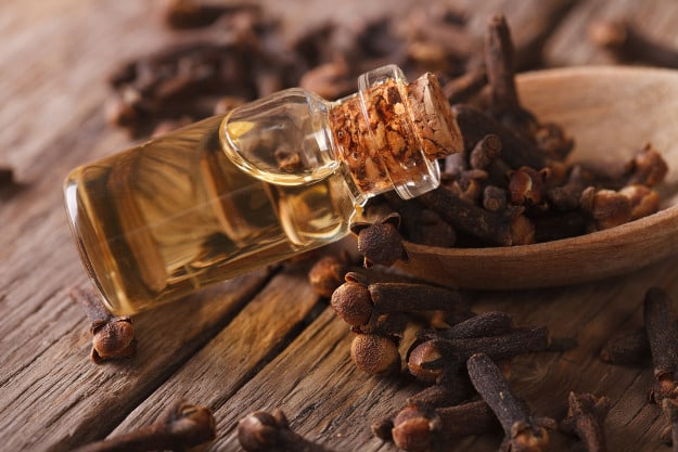 Drops Of Clove Oil | Natural Toothache Remedies To Give You Instant Relief