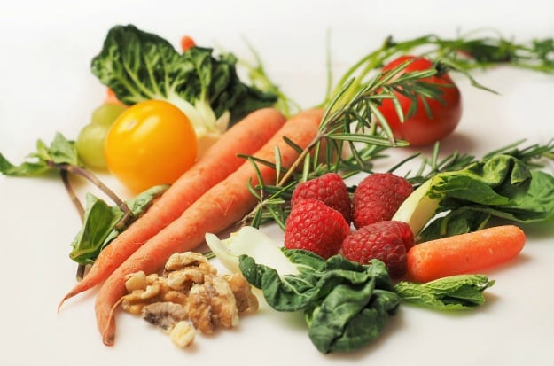 raw foods for treating bad breath