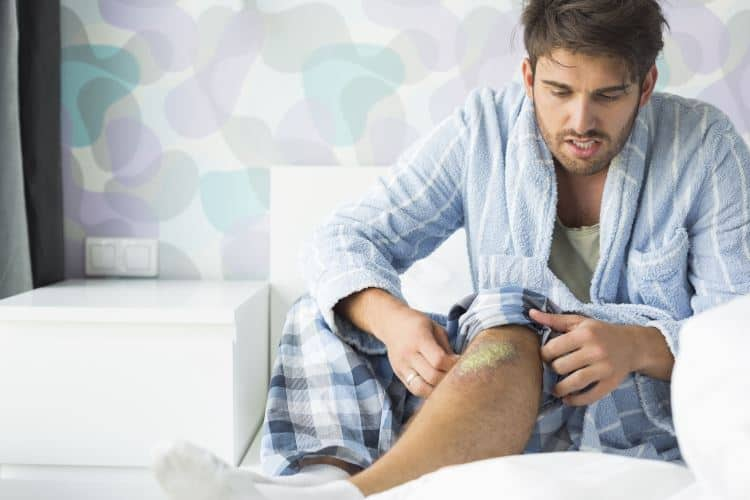 Natural Pain Relief Treatments for a Sore Knee