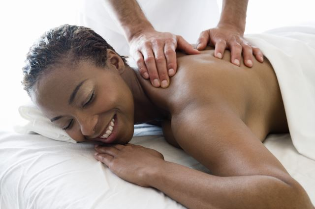 massage therapy will help sort out your shoulder pain