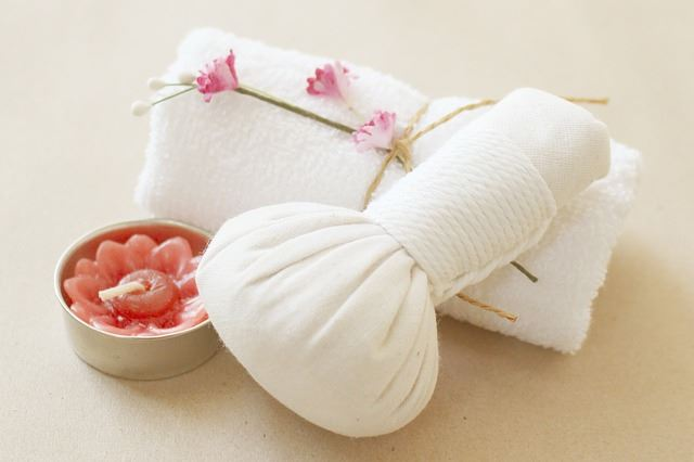 a hot rice compress is a great remedy for stomach pain